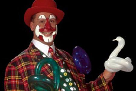 Ballonklovnen Danny med ballondyr